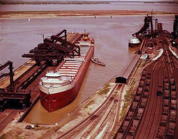 The Edmund Fitzgerald unloading iron ore in Toledo Ohio.  Image courtesy http://www.mhsd.org/fleet/O/ON-columbia/fitz/default.htm